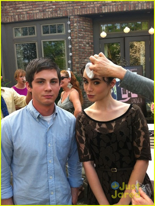http://obxentertainment.files.wordpress.com/2012/05/writers-loganlerman-lilycollins-onset.jpg