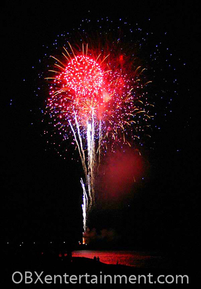 July 4, 2006 at Avalon Pier in Kill Devil Hills (photo: Artz Music & Photography)