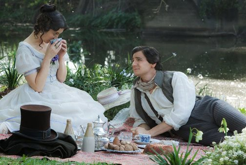 Mary Elizabeth Winstead and Benjamin Walker star in 'Abraham Lincoln: Vampire Hunter'.