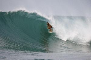 Donavon Frankenreiter endulging his other passion in the barrel. (photo: Brian Beilman)