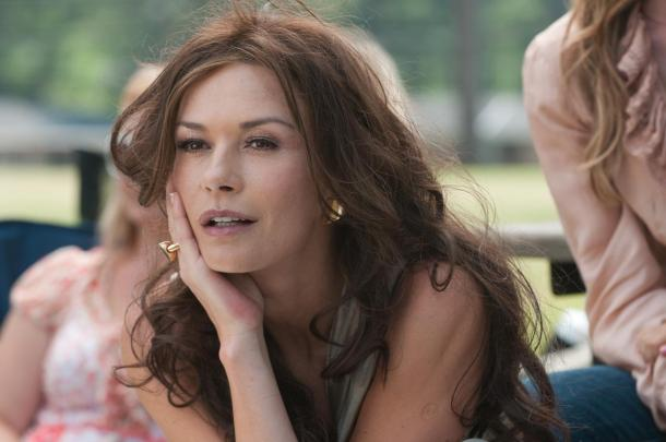 Catherine Zeta-Jones stars in 'Playing for Keeps'.