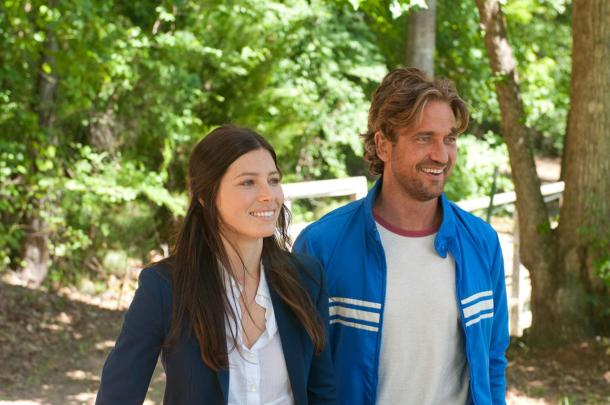 Jessica Biel and Gerard Butler star in 'Playing for Keeps'.