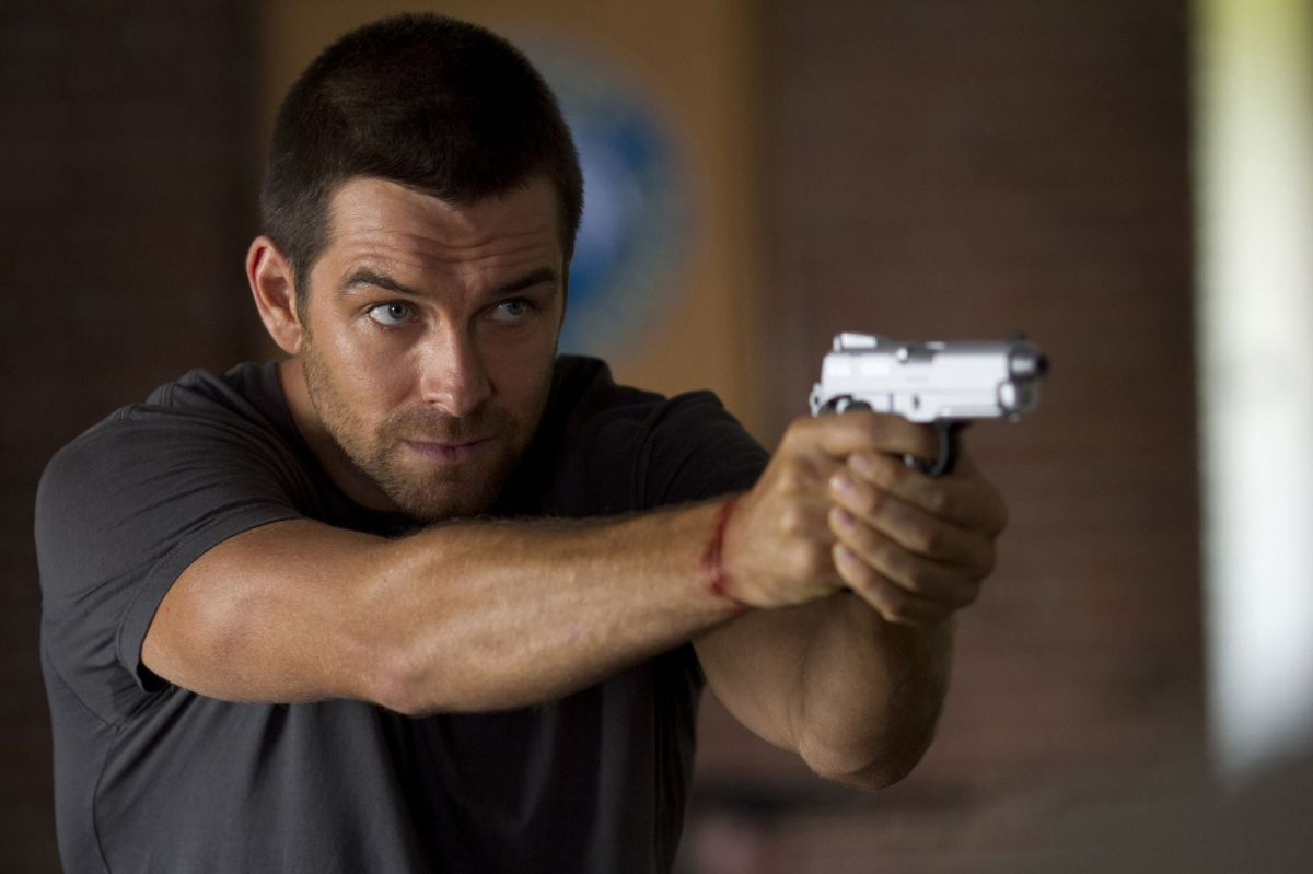 [TV Review] Cinemax's NC-Filmed 'Banshee' First Season An Undeniable Rush