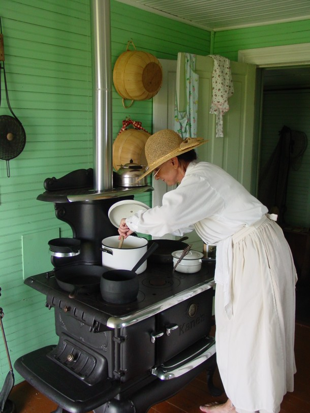 "One of the new 2013 Summer Programs at the Chicamacomico Life-Saving Station is ""Traditional Hatteras Island Cooking"" - with samples!"