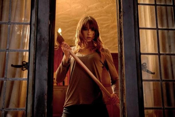 Sharni Vinson fights back in 'You're Next'.