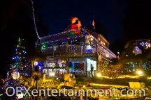 The Outer Banks Christmas House 2013 (photo: OBXentertainment.com)