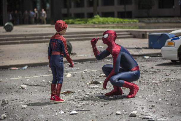 Spider-Man meets a spider-fan in 'The Amazing' sequel.