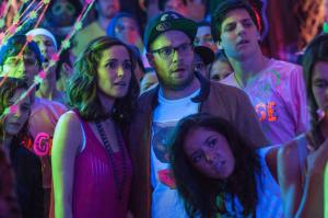 Rose Byrne and Seth Rogan rave on in 'Neighbors'.