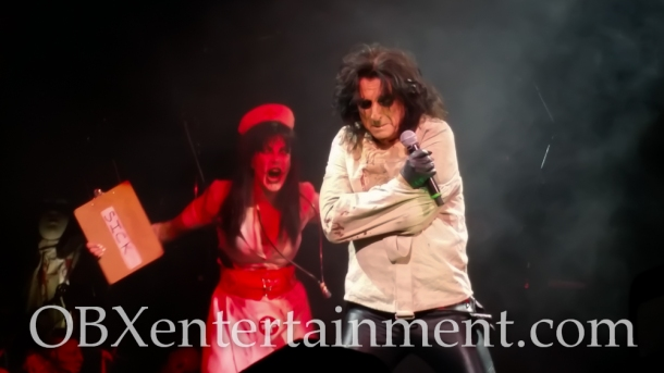 Motley Crue and Alice Cooper on stage in Virginia Beach on August 20, 2014. (photo by OBXentertainment.com)-0020