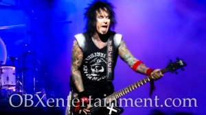 Motley Crue and Alice Cooper on stage in Virginia Beach on August 20, 2014. (photo by OBXentertainment.com)-0032