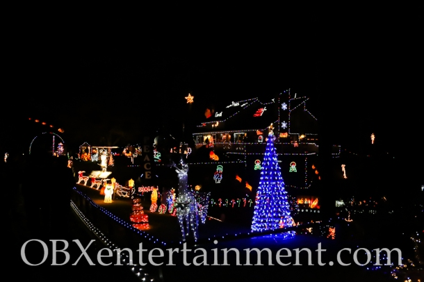 The Outer Banks Christmas House - Thanksgiving Night 2014 (photo by Matt Artz for OBXentertainment.com)_0020