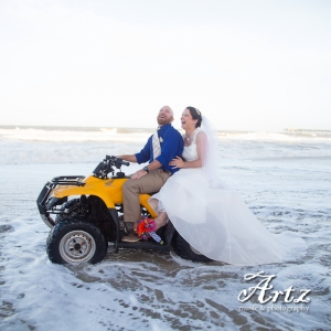 Outer Banks Wedding (photo by Matt Artz for affordableOBXweddings.com)