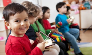 Dare County Arts Council offers a preschool music class.